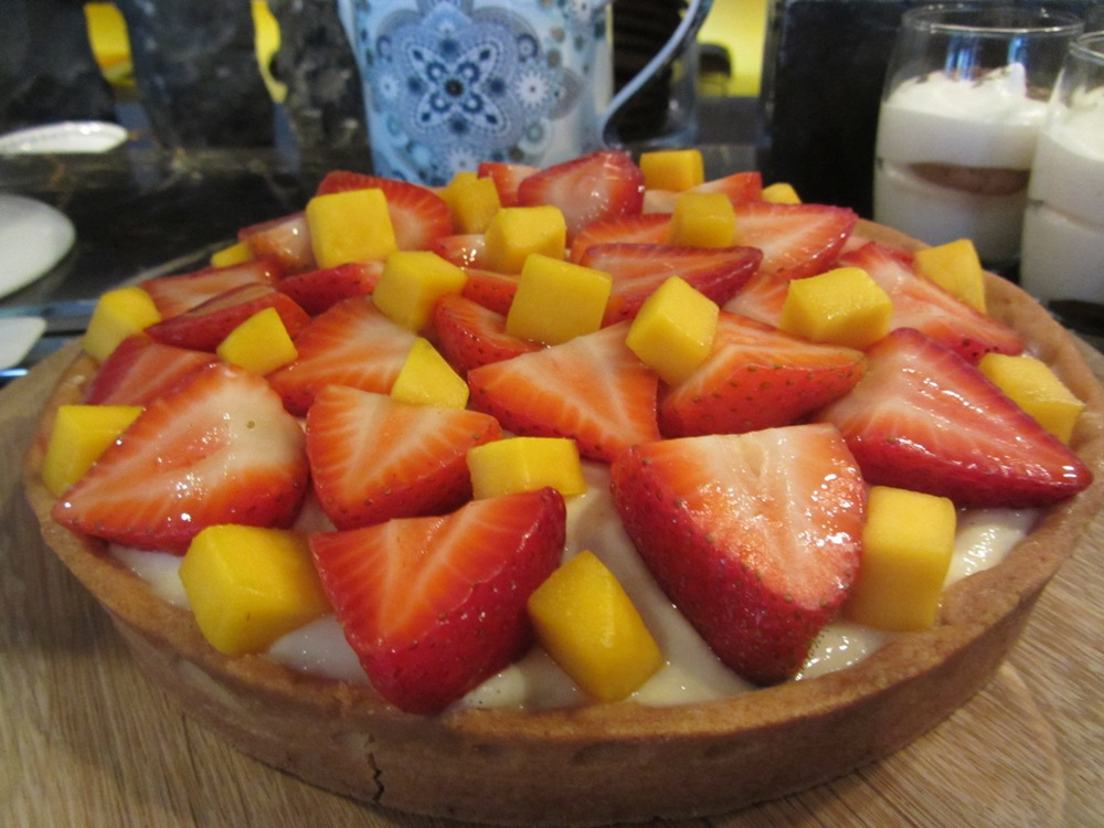 Eastway at Andaz - fruit tart - Sunday Brunch
