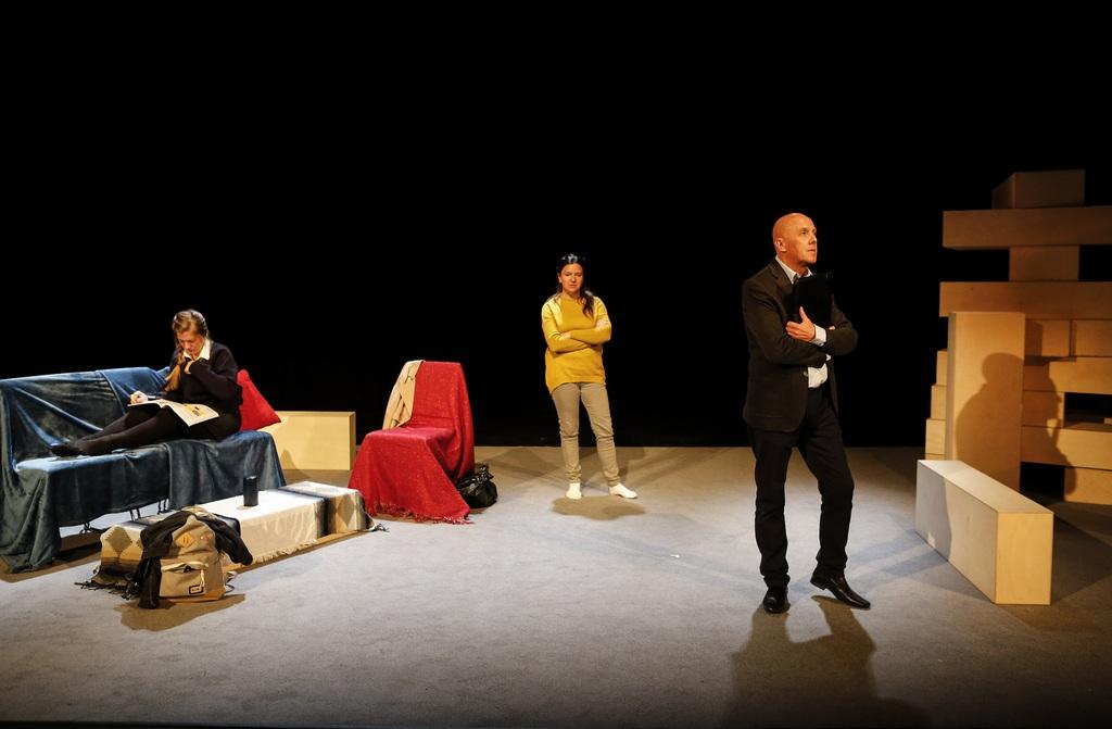 Hayley-Wareham-Cathy-Owen-and-Alex-Jones-in-Cathy-by-Cardboard-Citizens.-Credit-Pamela-Raith-Photography-2