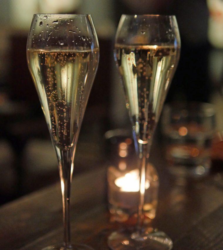 St Ermins Hotel Victoria - Caxton Grill - Champagne