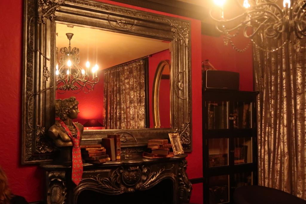 Vijay's Bar & Lounge - Vijay's Lokhandwala