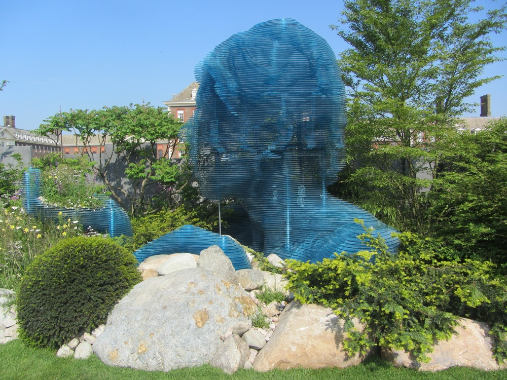 Chelsea Flower Show - dramatic head sculpture