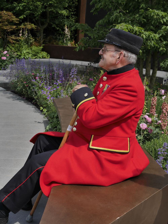 Chelsea flower show Pensioner