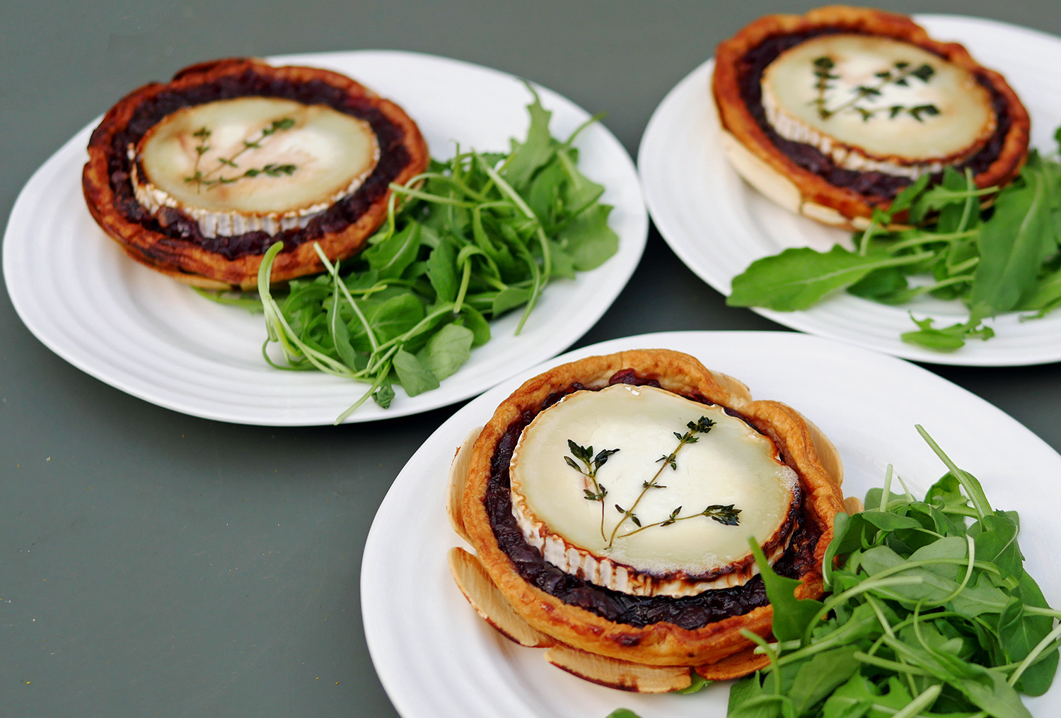 More more more goats cheese and red onion tarts with thyme