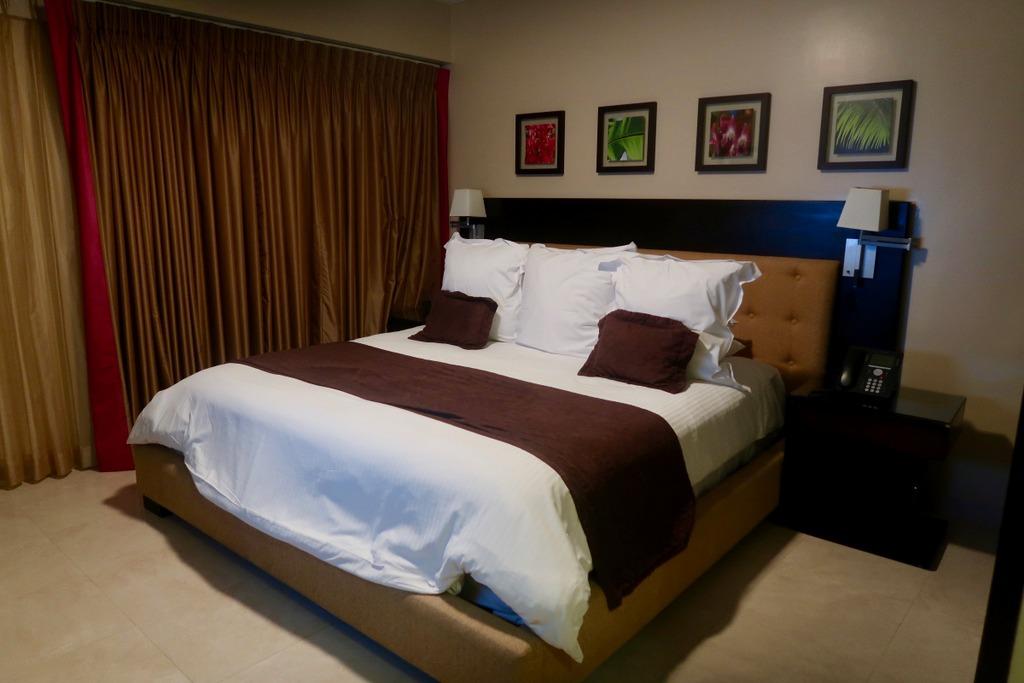 Ocean Two Resort and Residences - bedroom
