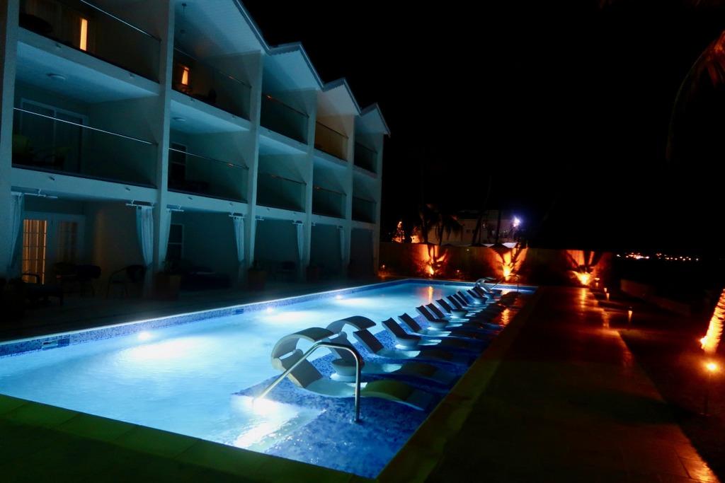 The Sea Breeze Beach House - pool
