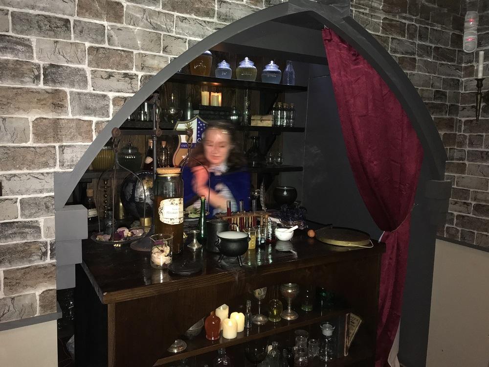The Potion Room-potion master's desk