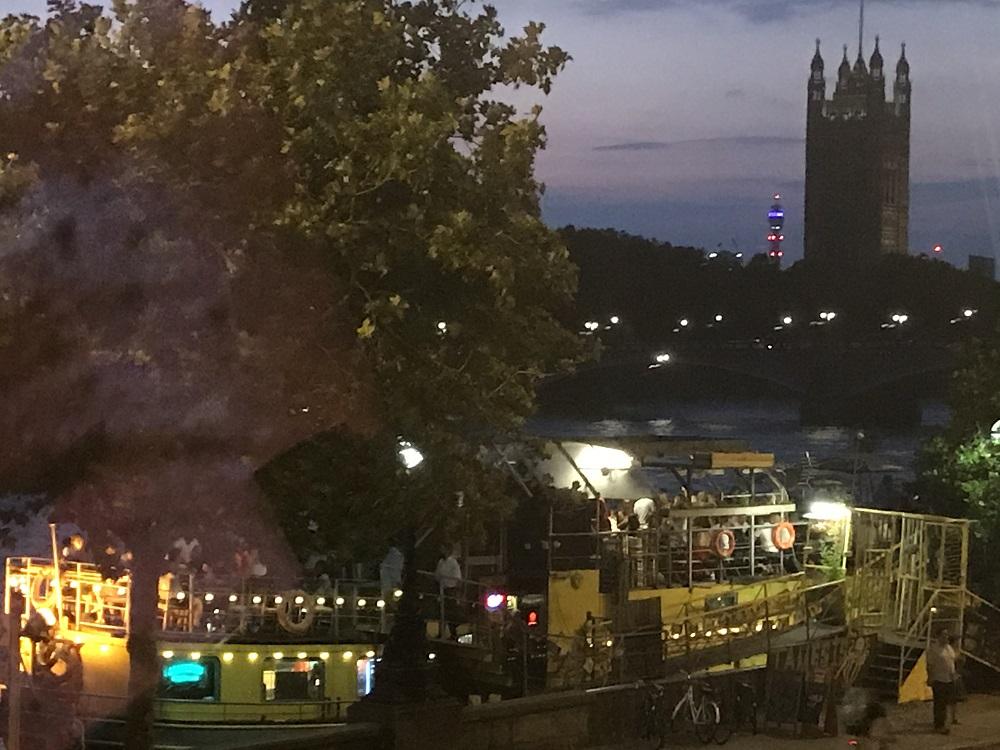 Art Night Park Plaza Riverside Views