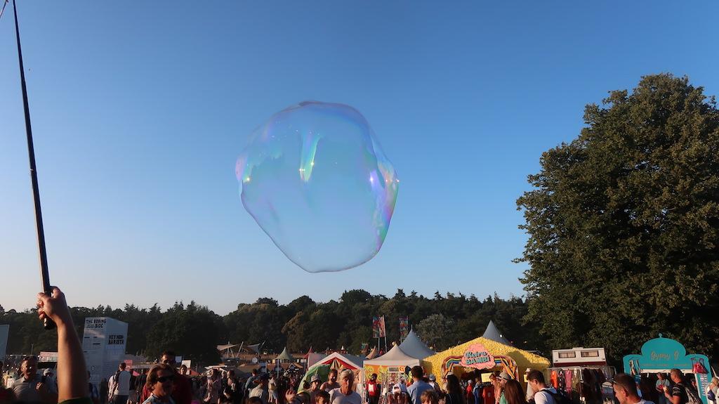 Latitude bubbles