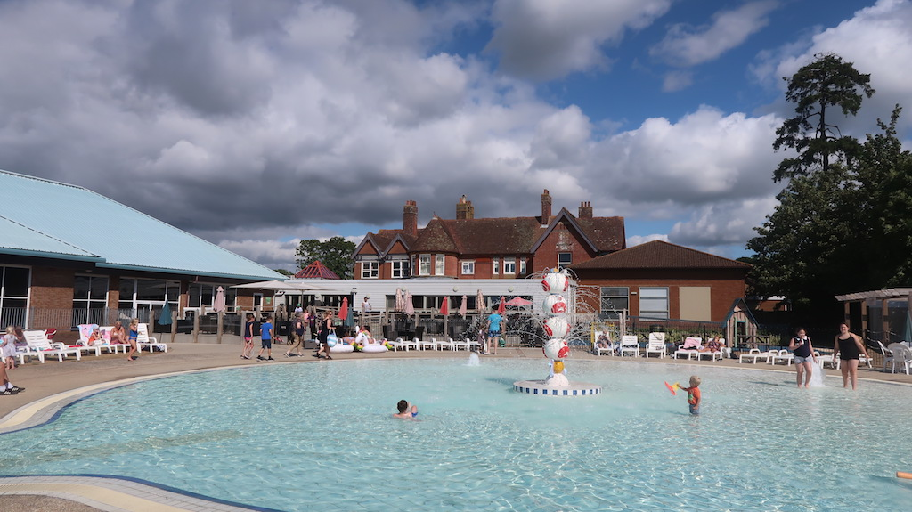 Hoburne Bashley children's pool