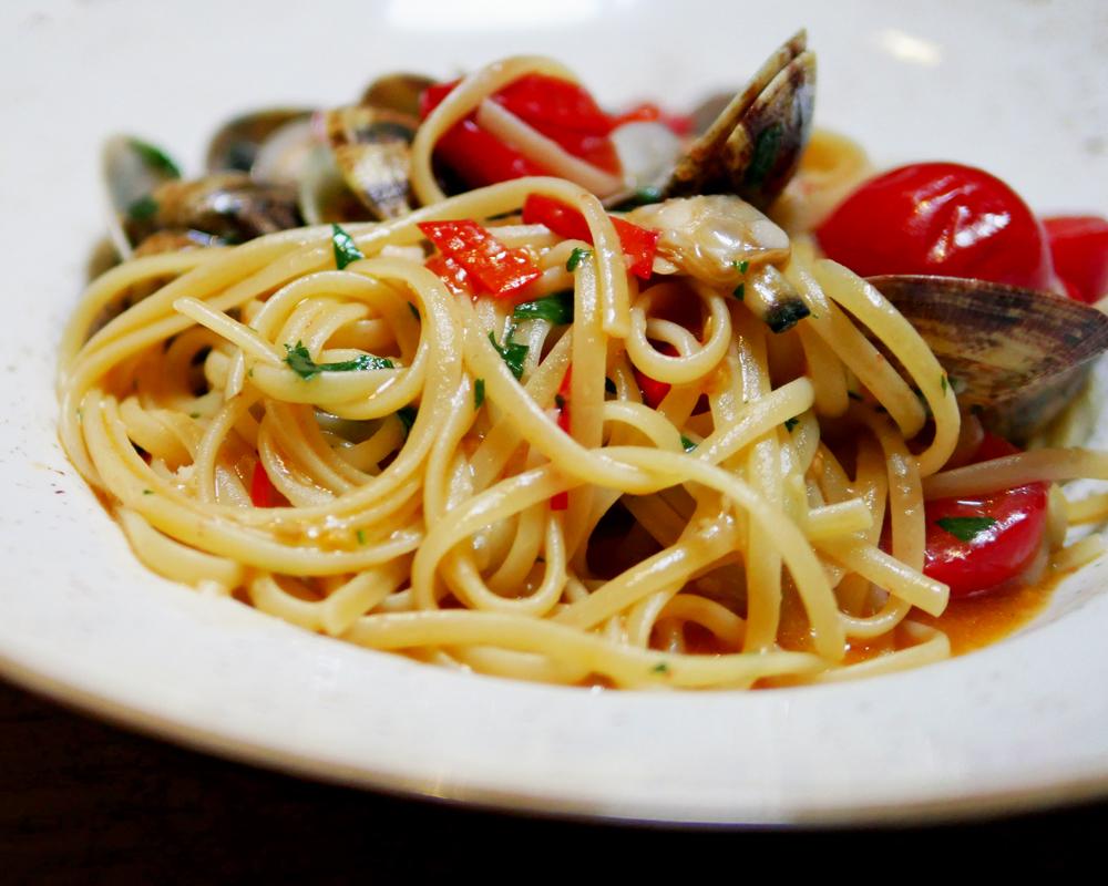 Bocconcino Spaghetti with Clams