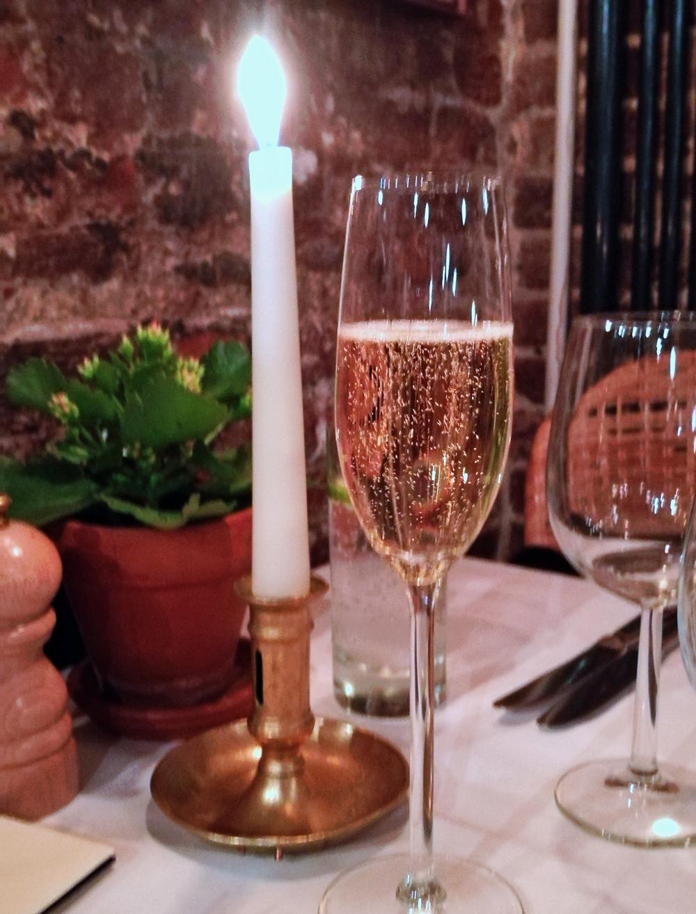 Cafe du Marche - Champagne