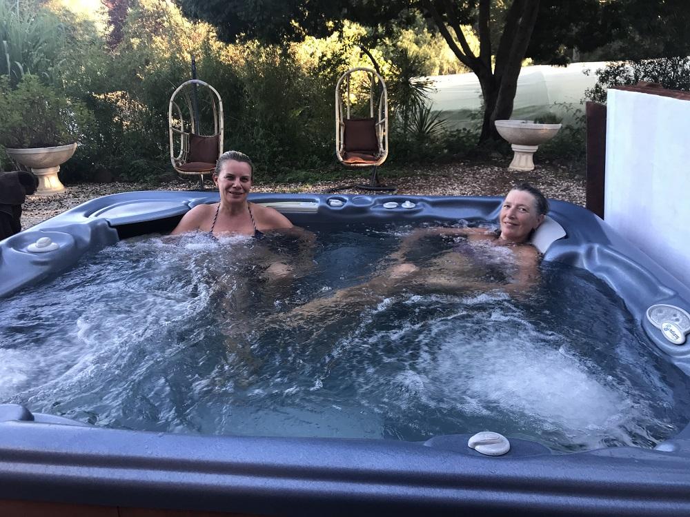 Moinhos Velhos - Relaxing in the hot tub