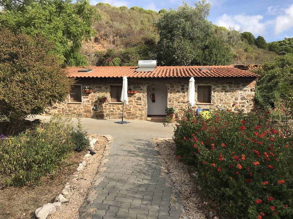 Moinhos Velhos - 'The Mill' - Juice detox and yoga in the Algarve