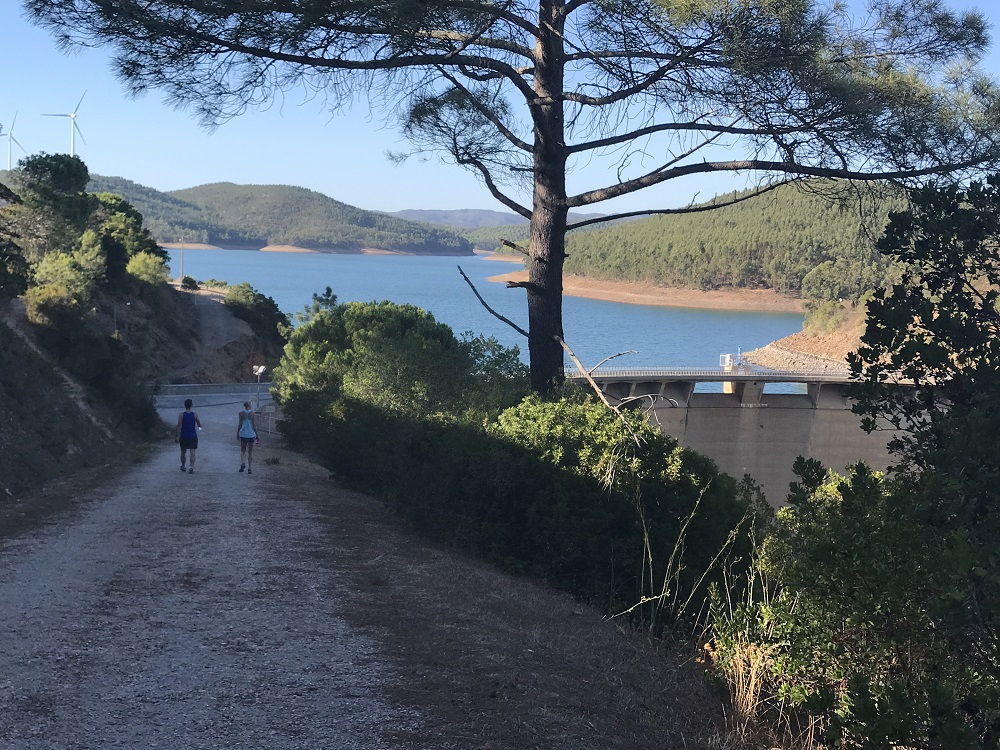 Moinhos Velhos- Walk to the Lake - Yoga retreat Portugal