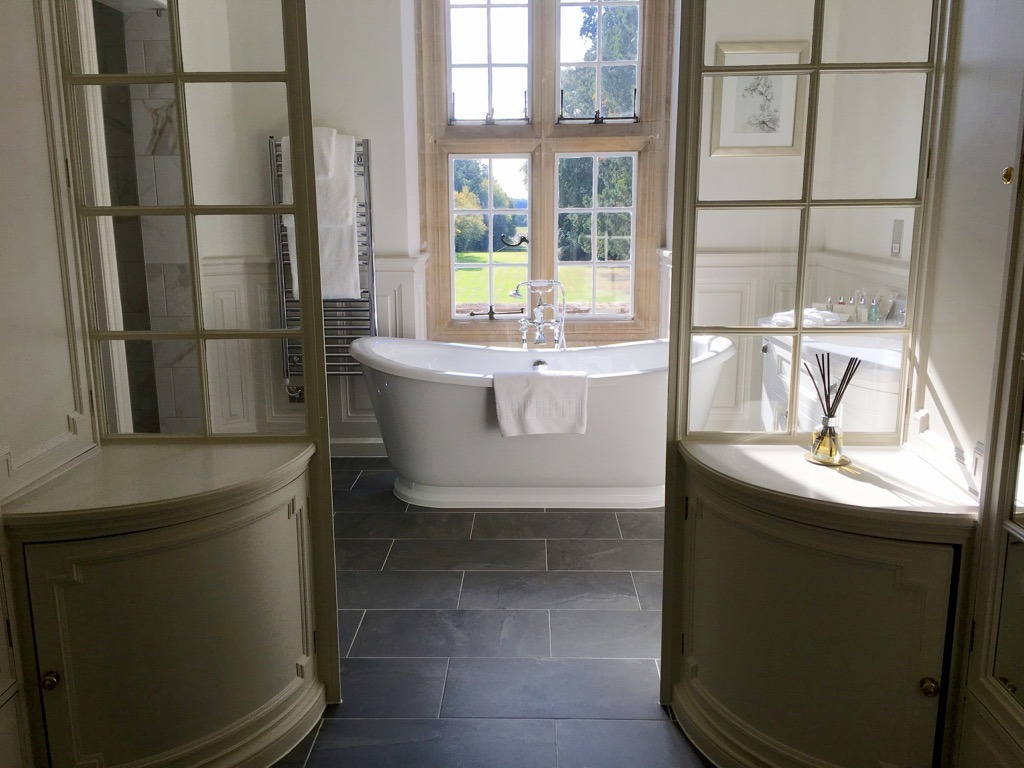 Tylney Hall State suite bathroom