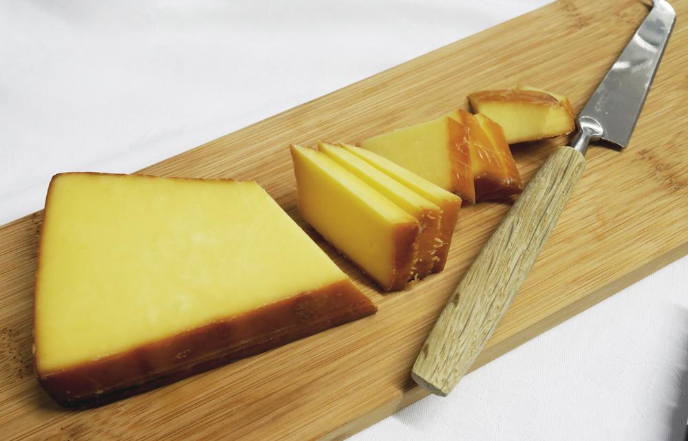 Cheddar Gorge Cheddar Oak Smoked Cheese