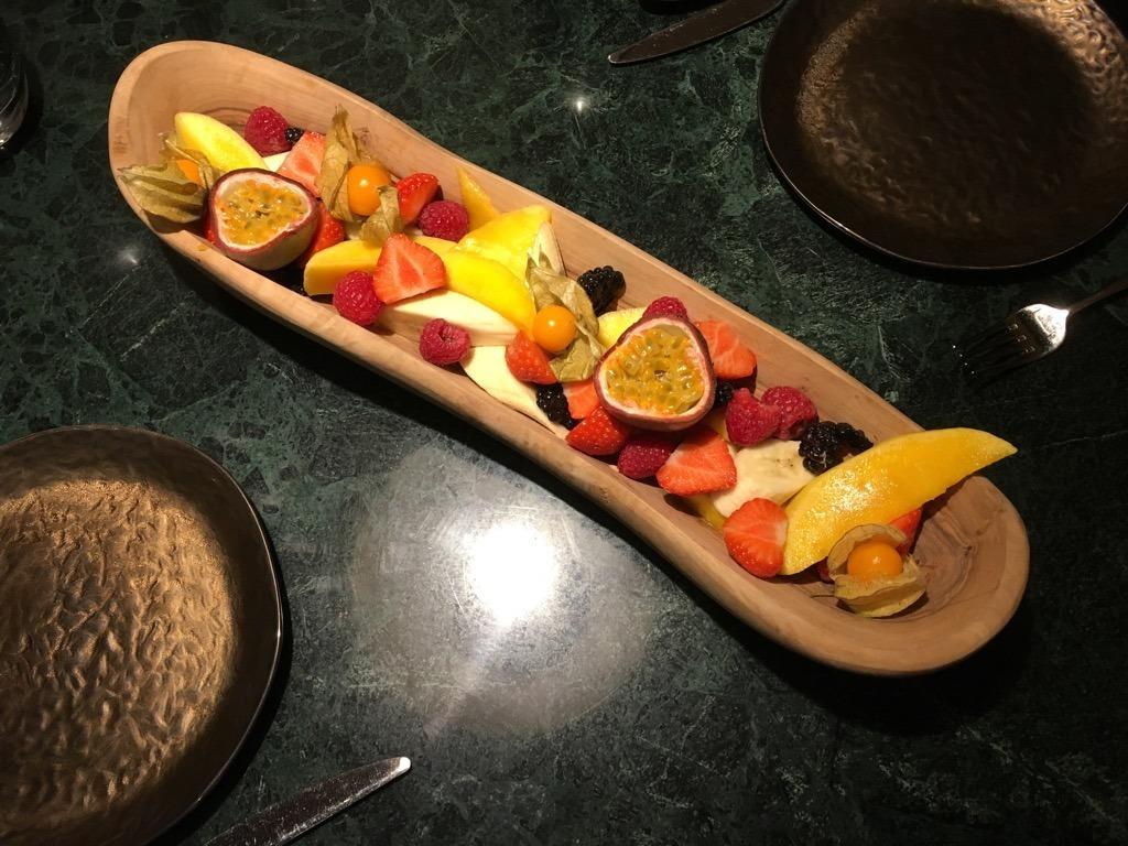 Zuaya fruit platter