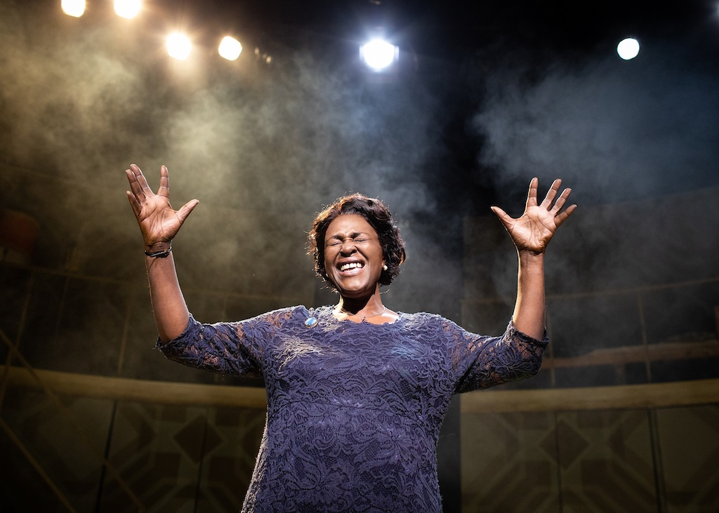 Lauren-Ward-and-Sharon-D.-Clarke-in-Caroline Or Change Playhouse Theatre