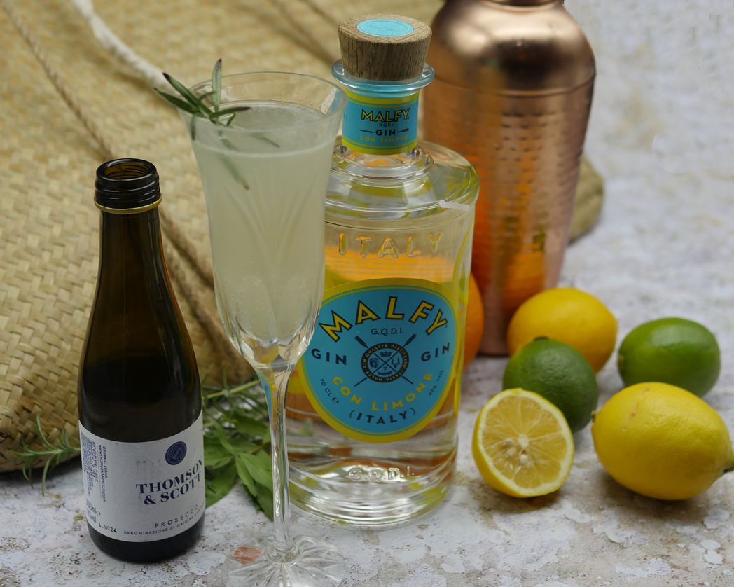 Prosecco Gin Cocktail with Lemon