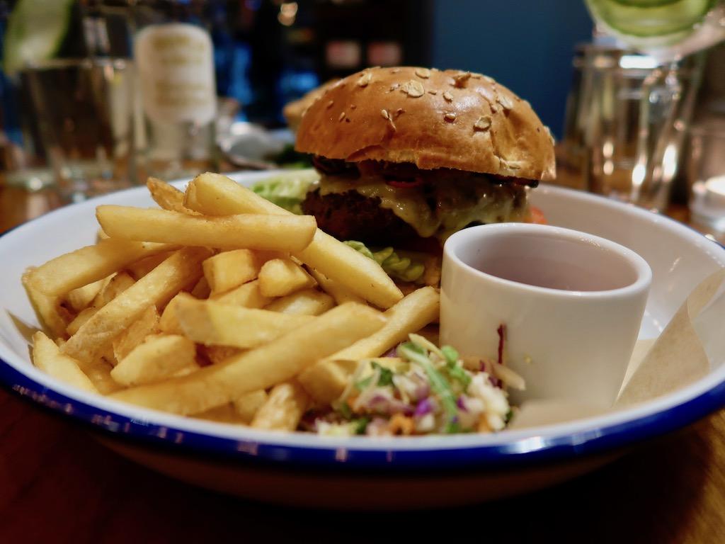 Sir John Balcombe - burger & fries