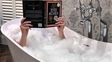 Tewkesbury Park - King Richard III bathroom - bubblebath