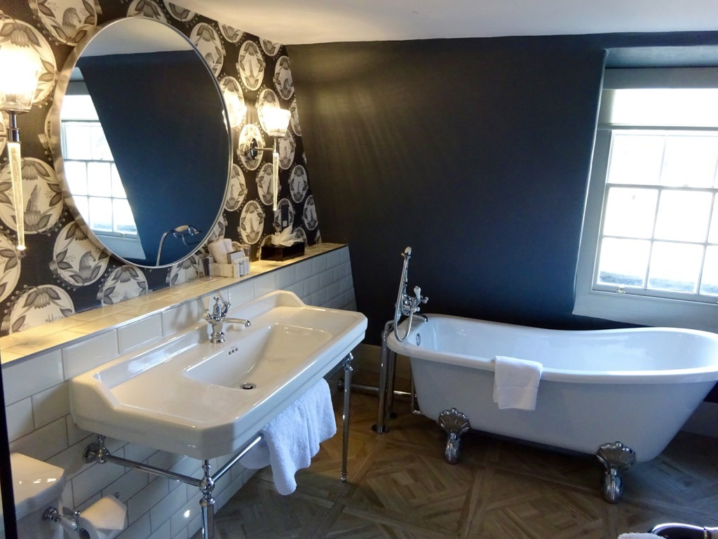 The Queensberry bathroom