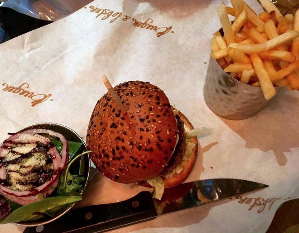 Burger-and-Lobster-lobster-burger-1024x768