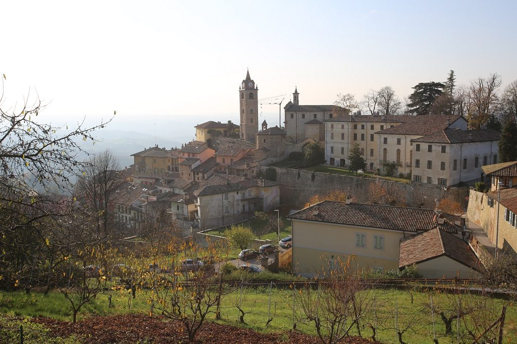 Monforte d'Alba Town - Where to stay for the Alba White Truffle Festival