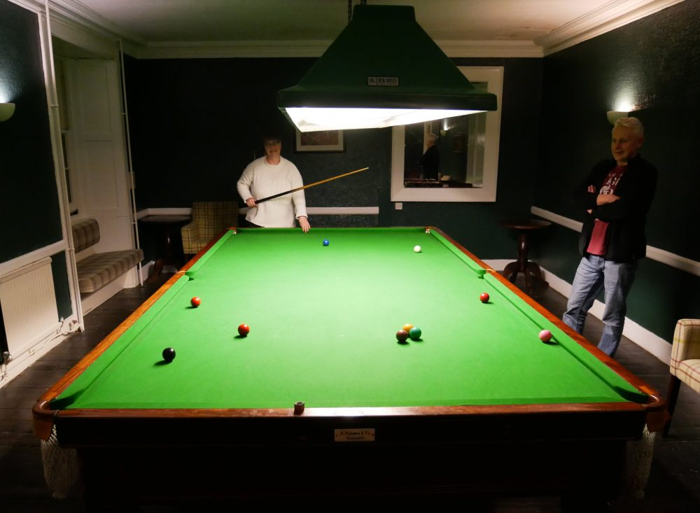 Stonefield Castle - snooker table