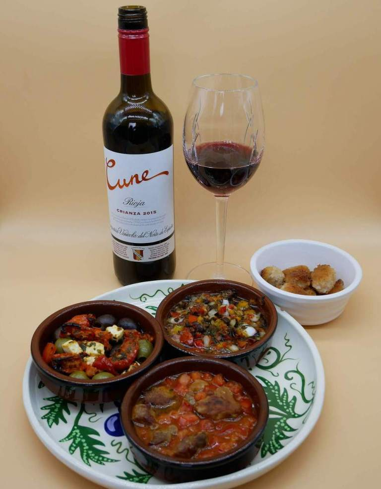 CVNE - 2014 Crianza with tapas