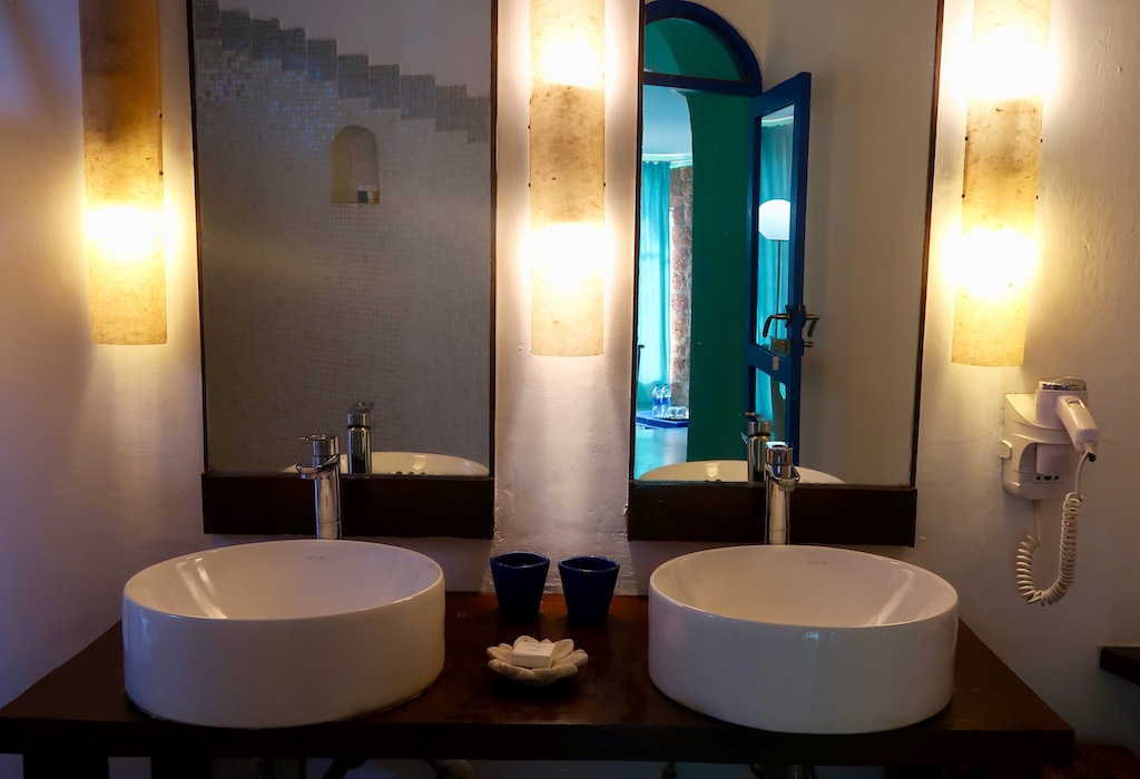 Nilaya Hermitage - bathroom