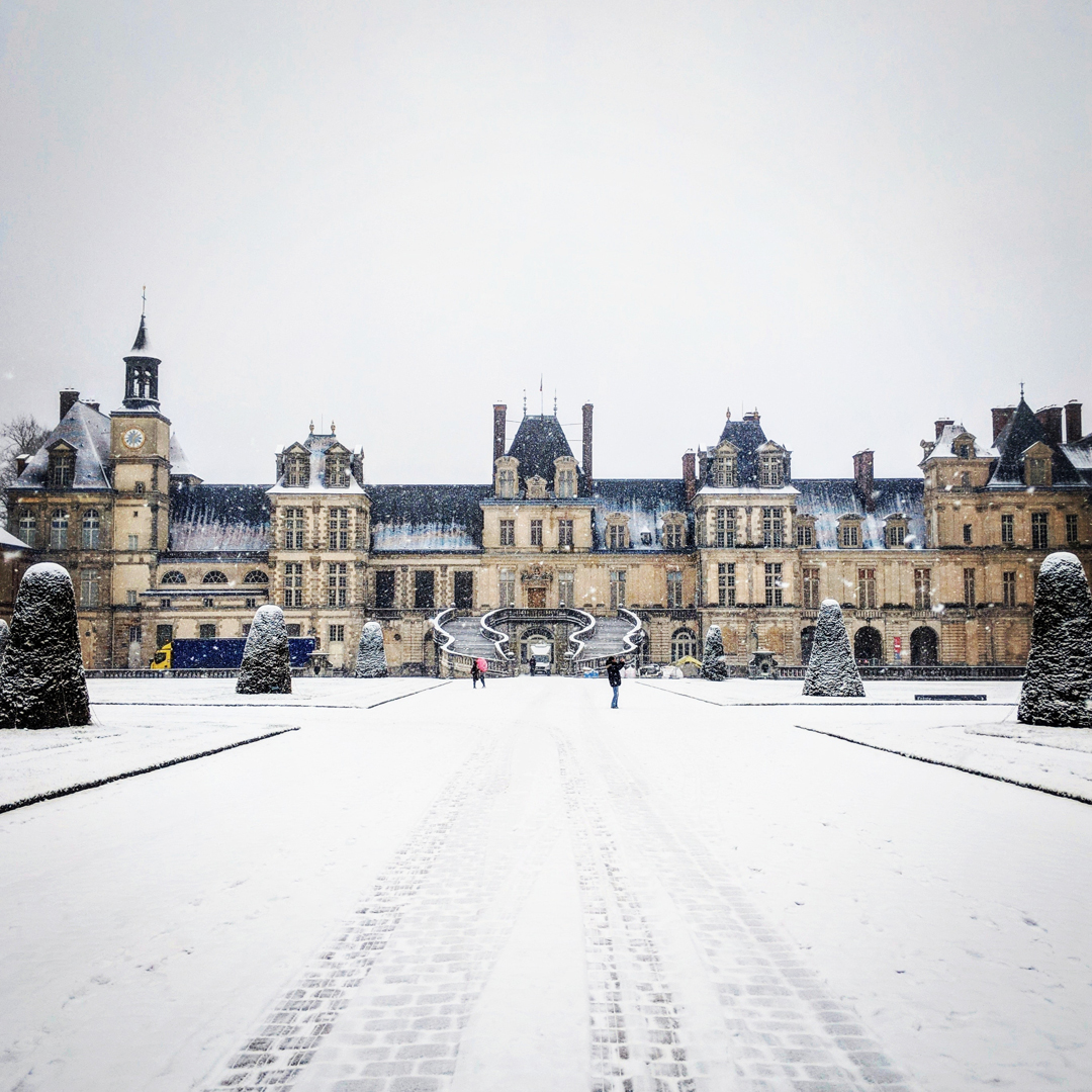 Fontainebleau - Palace in winter