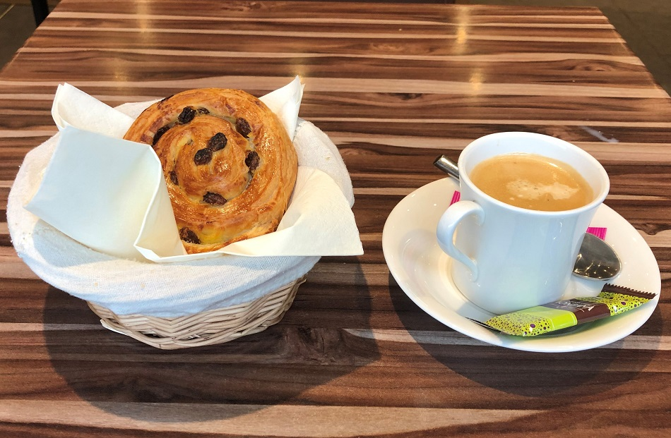 Breakfast Résidence & Spa Vallorcine Mont-Blanc Chamonix France