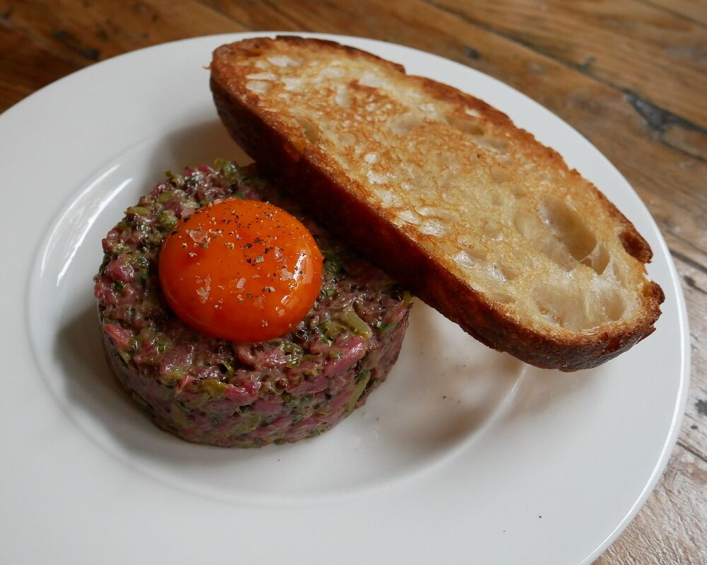Rhe Royal Oak - beef tartare