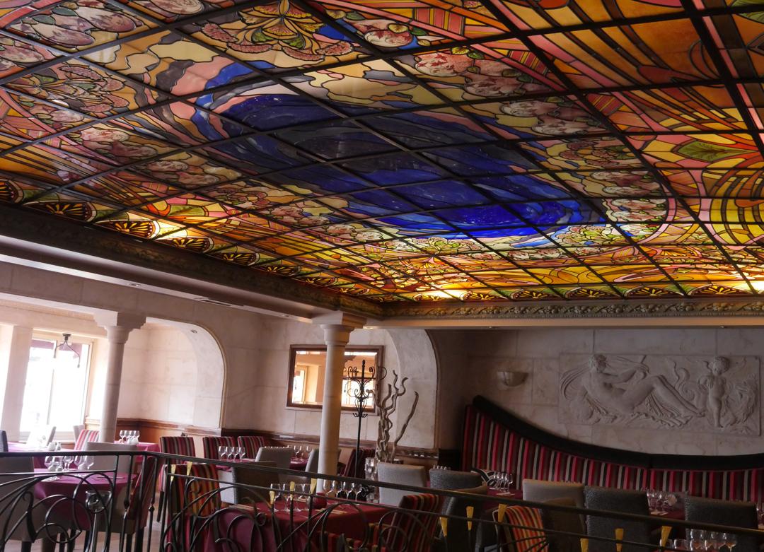 Ceiling Restaurant St Quentin Aisne