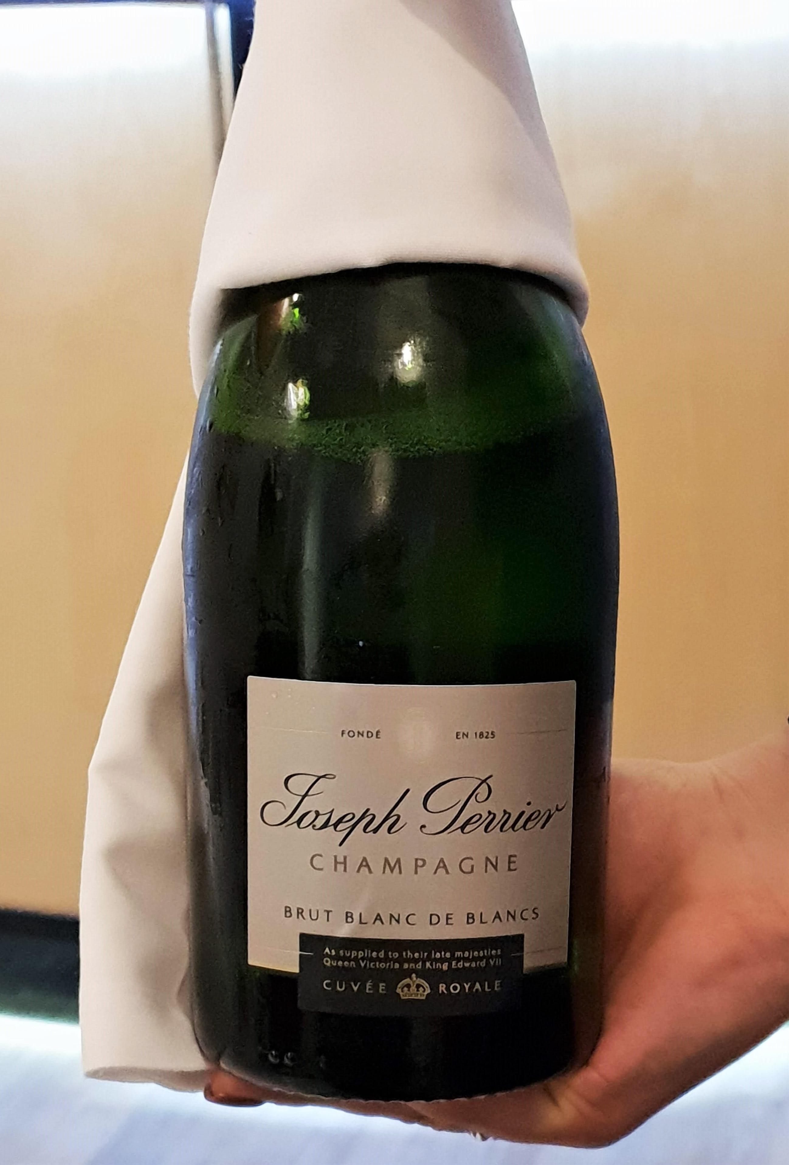 Middle Temple blanc de blancs champagne