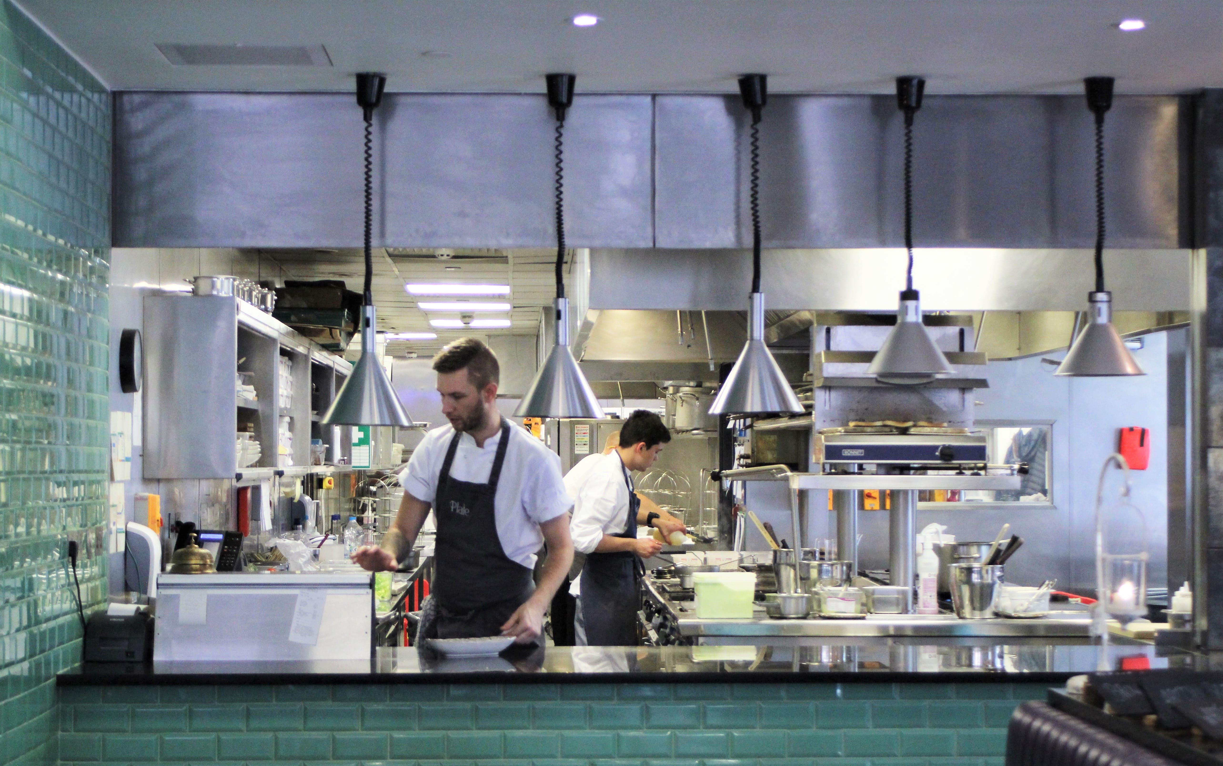 Plate Bake kitchen