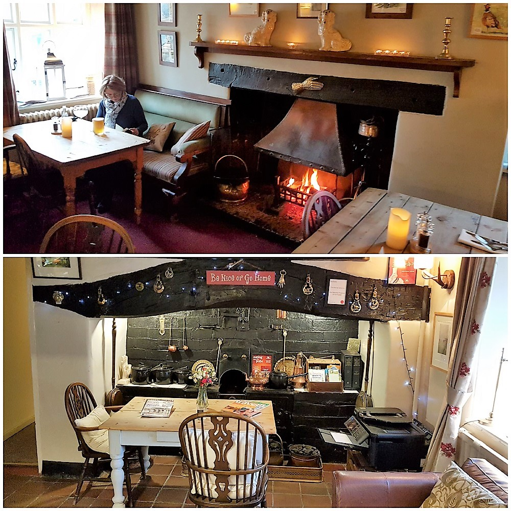 Cosy Bar and Restaurant at the Hand in Llangollen