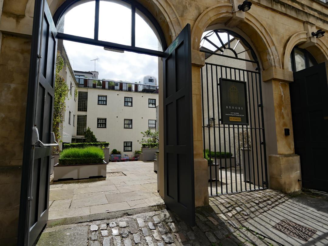 Brooks Guesthouse Entrance - Bristol