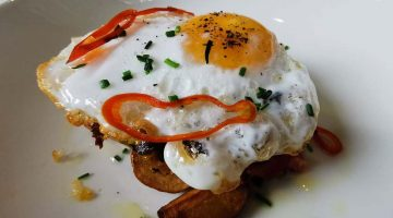 Brunch at the National Gallery Duck hash with fried agg at the National Cafe