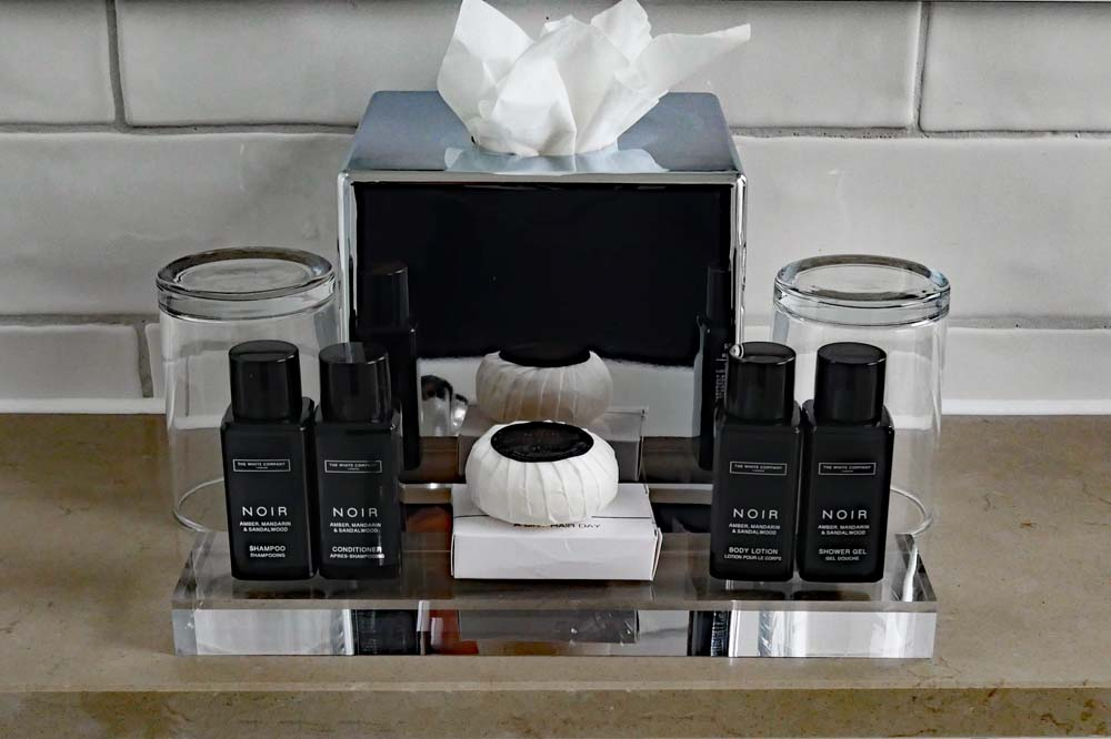 Noir Toiletries in the bathroom