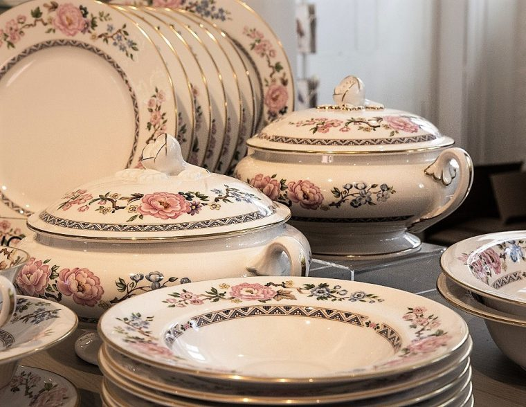 A Royal Worcester china dinner service
