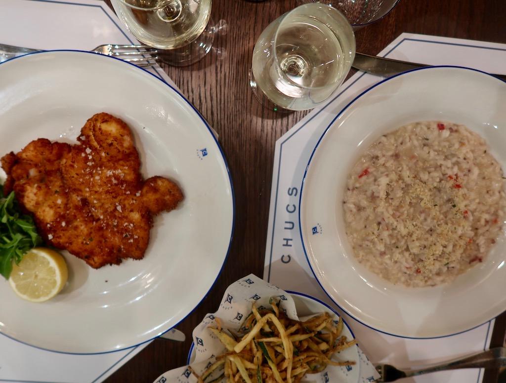 Chucs Kensington - dining
