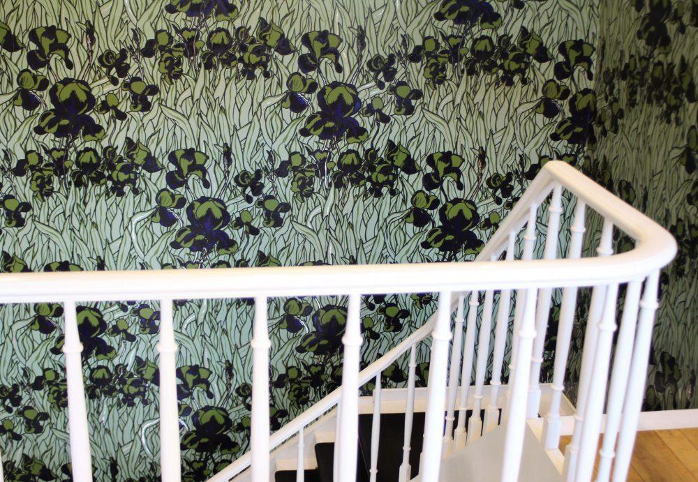 De Witte Lelie, Antwerp, Iris wallpaper