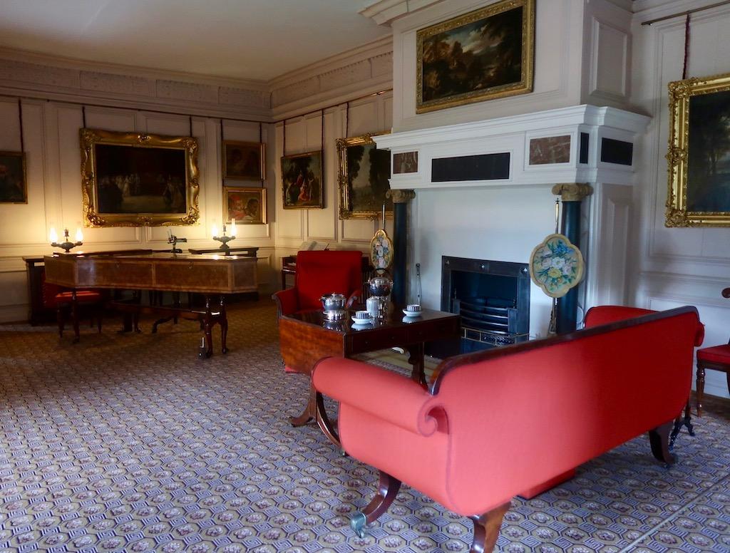 Kew Palace - living room