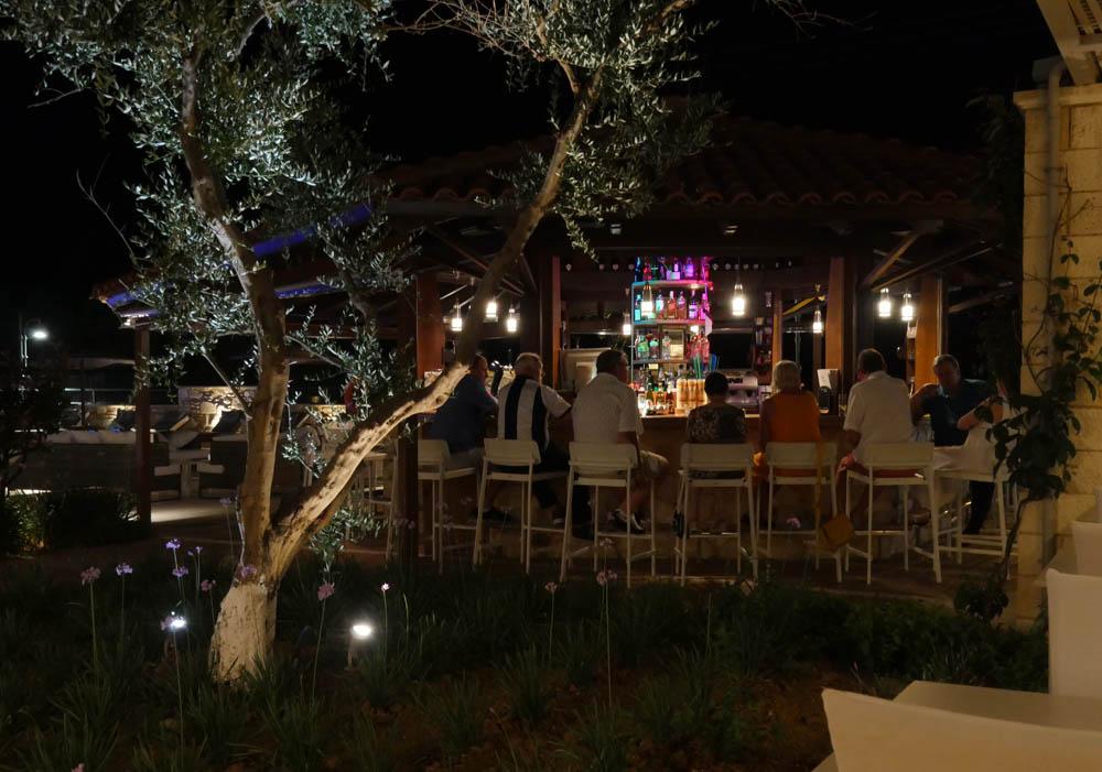 Mistral Singles Hotel Bar