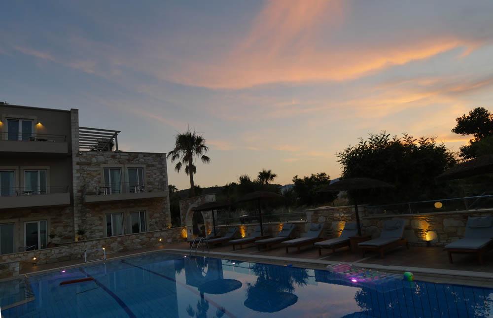 Mistral Singles Hotel Sunset
