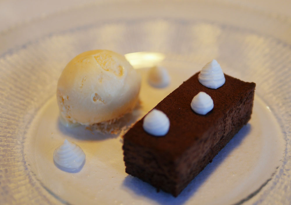Nettlefold Restaurant Chocolate and coconut