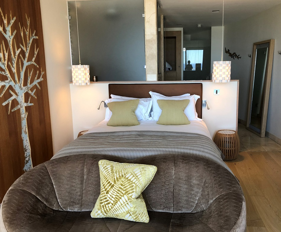 Just Right Double bedroom at the Scarlet