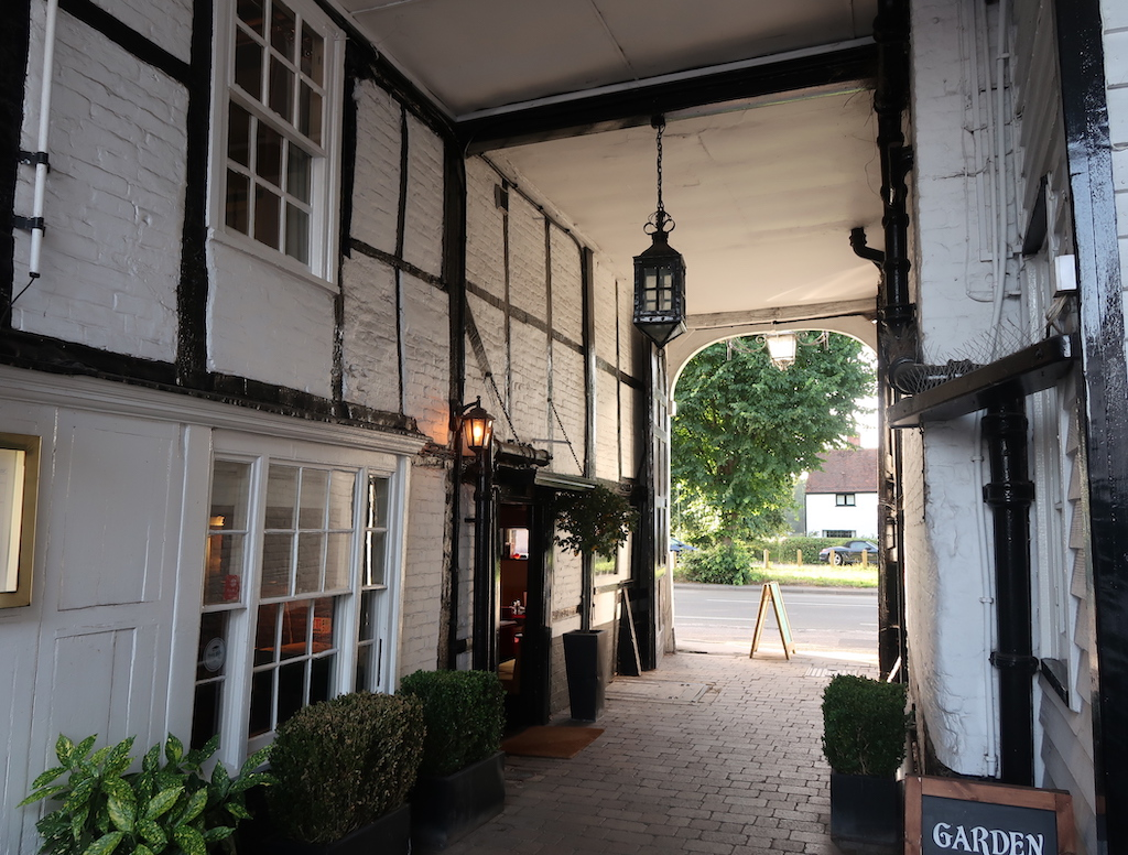 The Talbot Ripley - coaching Inn
